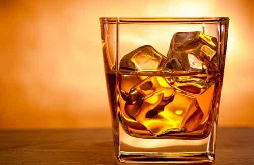 Wat kan er met je hersenen gebeuren als je te veel alcohol drinkt?