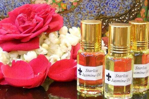 Jasmijn olie is een van de afrodisiaca