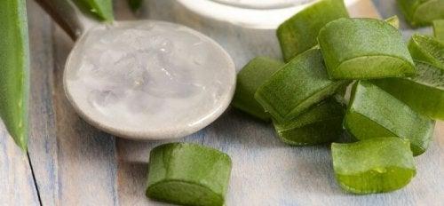 Hoe maak je natuurlijke zeep met aloë vera en honing?