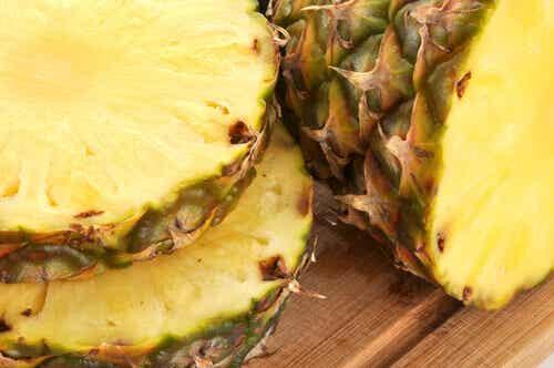 Heerlijke en geneeskrachtige drankjes met de schil van ananas