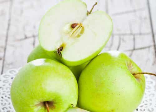 De voordelen van groene appels op een lege maag