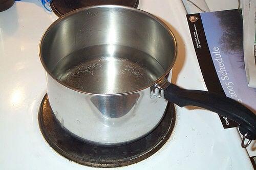 Gebruik azijn om pannen te reinigen