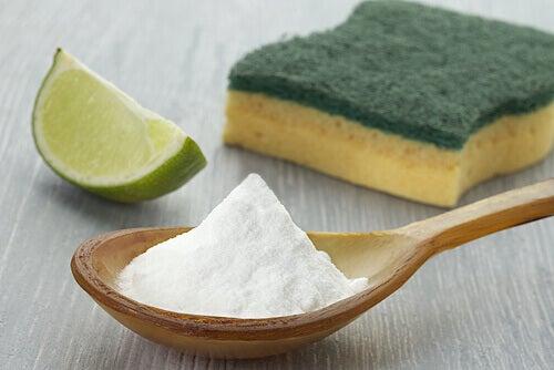 Hoe maak je je huis schoon met zuiveringszout