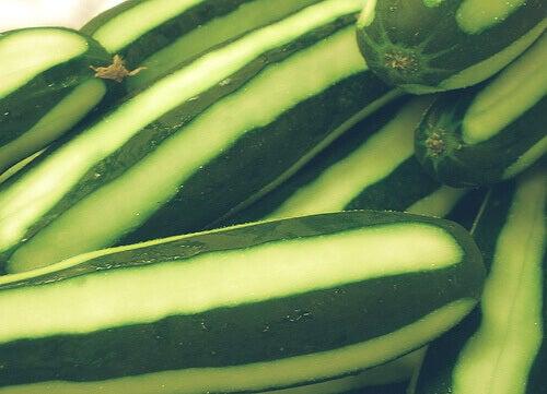 Gebruik komkommer als gezichtsmasker