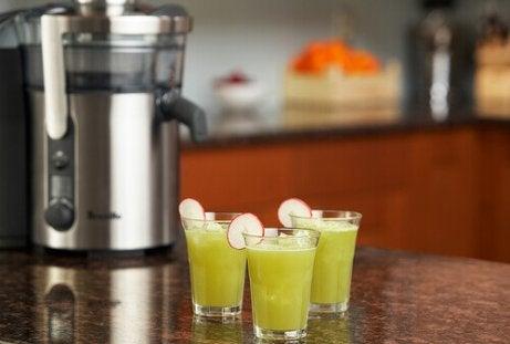 3 glazen selderij smoothie