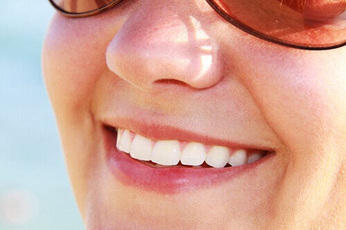 Gezonde tanden door groene appels op een lege maag