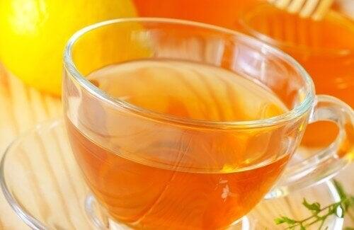 Witte thee om af te vallen