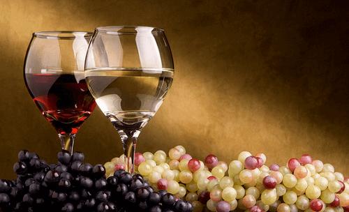 Rode wijn beschermt tegen Alzheimer