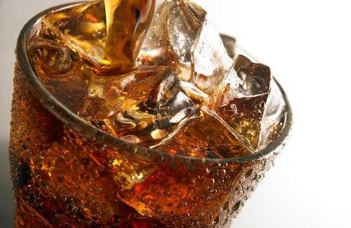 Hoe beïnvloeden koolzuurhoudende dranken je gezondheid