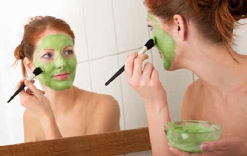 Vijf tips voor een dunner gezicht