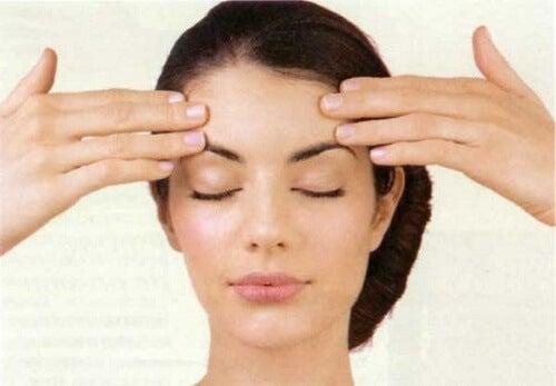 Oefeningen om je gezichtsspieren te trainen