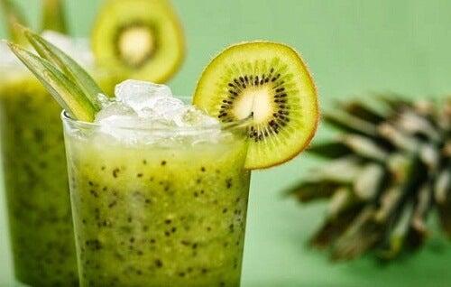 Sla-kiwi-smoothie voor gewichtsverlies