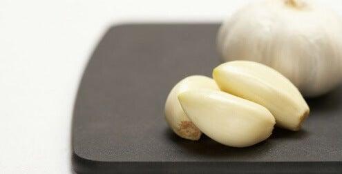 Knoflook voor gezonde en sterke nagels