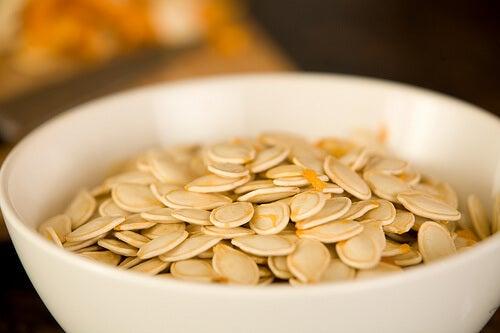 Verminder de consumptie van koolhydraten als je last van darmparasieten hebt
