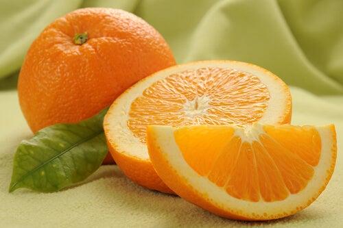 Een hele en een halve sinaasappel