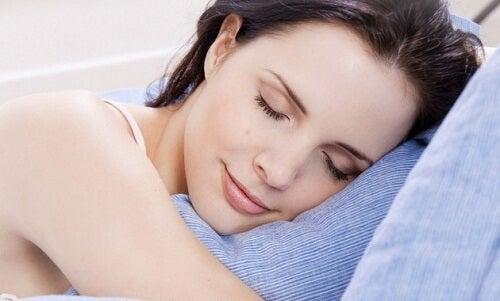 Slaap beter met een zelfgemaakte kussenspray