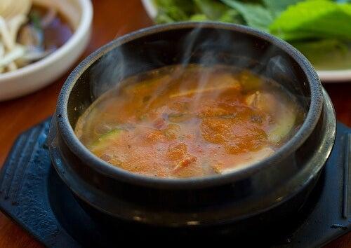 Geweldige recepten voor medicinale soepen