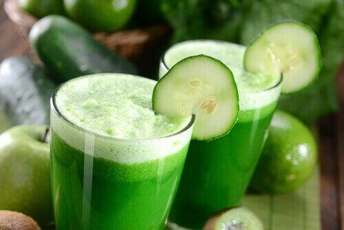 glazen komkommersap