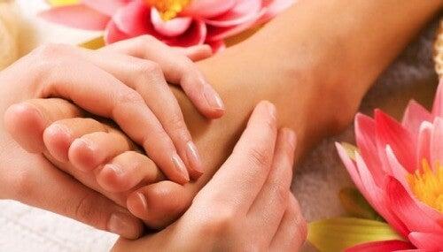 Voetmassage tegen vermoeide voeten