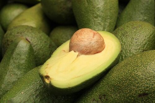 Avocado voor een maaltijdvervangende smoothie