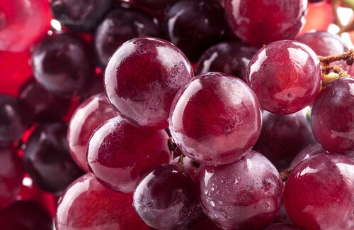 Rode druiven om je lichaam te ontgiften