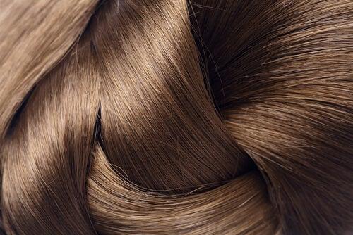 Hoe maak je een haarlotion met aspirine voor deze speciale haarbehandeling