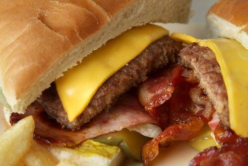 Welke voedingsmiddelen veroorzaken de meeste gewichtstoename