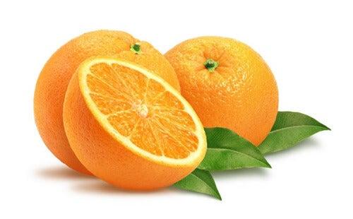 Gezichtsvlekken verminderen met sinaasappel