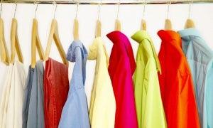 Kies goede kleding om stinkende oksels te vermijden