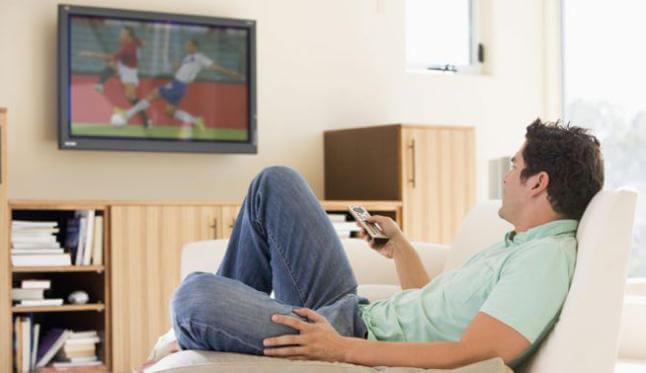 Het gevaar van voor de televisie eten