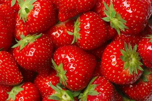 Aardbeien voor witte tanden