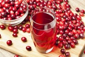 Blaas Ontgiften met Cranberrysap