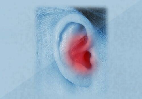Je oren reinigen kun je beter niet met een wattenstaafje doen