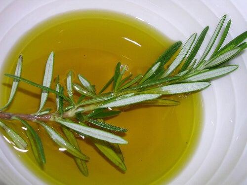 Rozemarijn en olijfolie