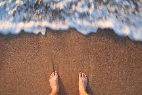 Voeten op het Strand