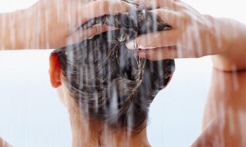 Crèmespoeling voor gezonder haar