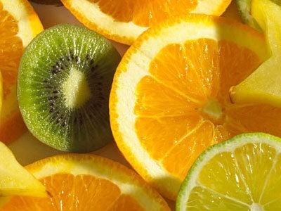 Slijm verwijderen met kiwi en sinaasappel