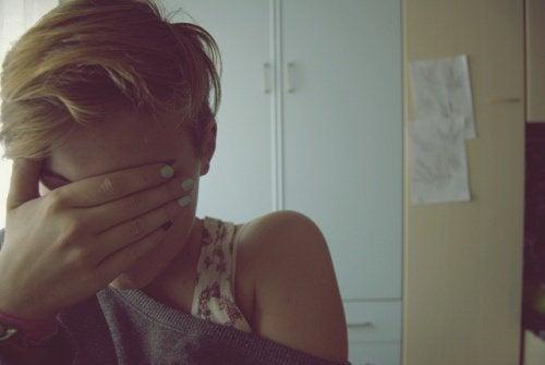 Vrouw met angstgevoelens