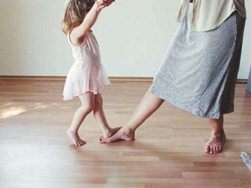 Dansende Moeder en Dochter