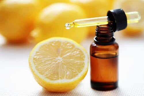 Geneesmiddel met olijfolie en citroen