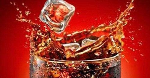Wat gebeurt er met je lichaam wanneer je cola drinkt?