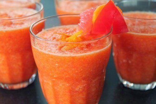 Grapefruitsap na je maaltijd bevordert gewichtsverlies