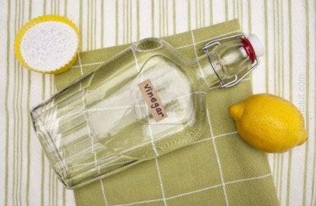 Azijn en citroen om zachte en geurloze handdoeken te krijgen
