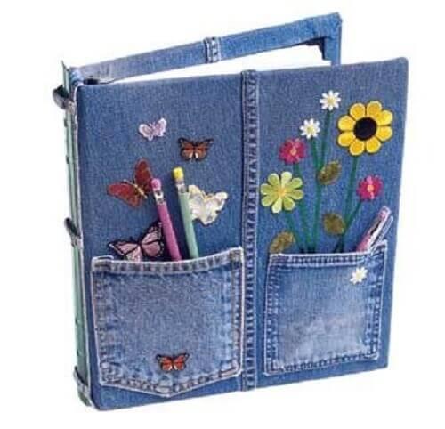 Maak een kaft voor je agenda van je oude jeans