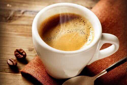 De relatie tussen koffie en honger