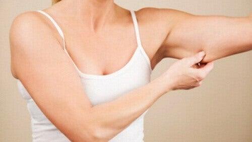 Oefeningen voor strakke armen
