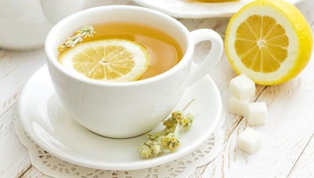 Citroenschilthee met citroen