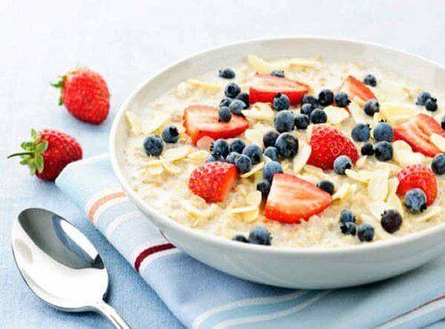 Havermout met Fruit 8, een voedzaam ontbijt