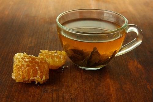 Waarom drink je appelazijn met honing bij voorkeur in de ochtend
