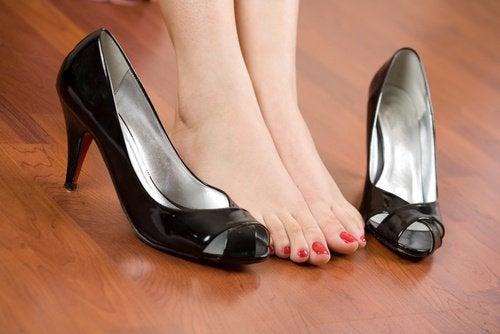 Elimineer pijn in de voeten met deze eenvoudige tips